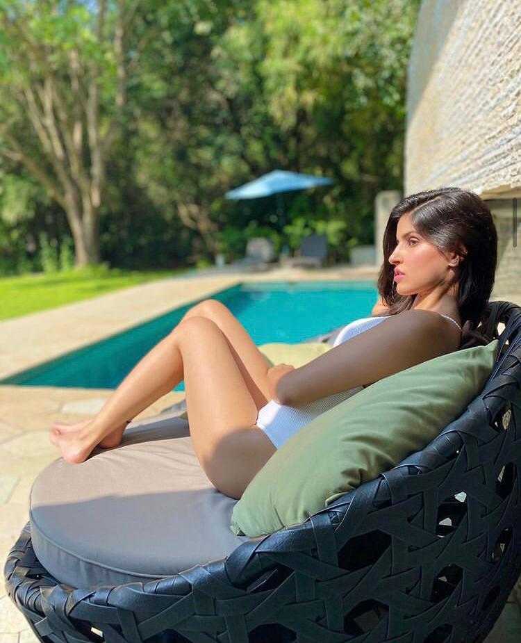 Sexy Indian Model Sakshi Malik