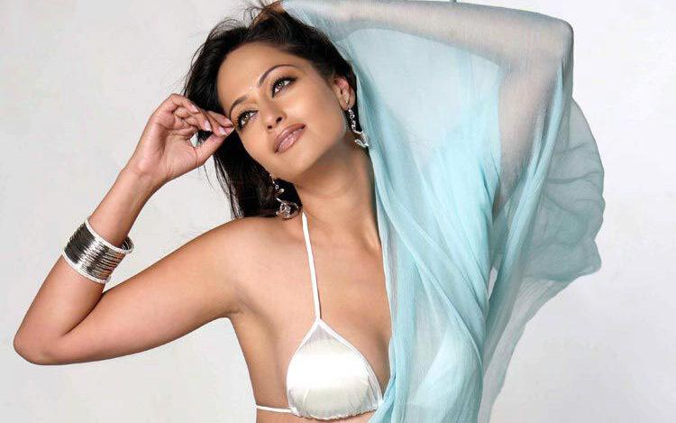 Hot and Sexy heroine from Bihar: Kaveri Jha